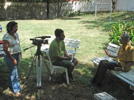 """Making off do documentário """"Sayonara"""". Acervo Bárbara Fontes e alunos."""