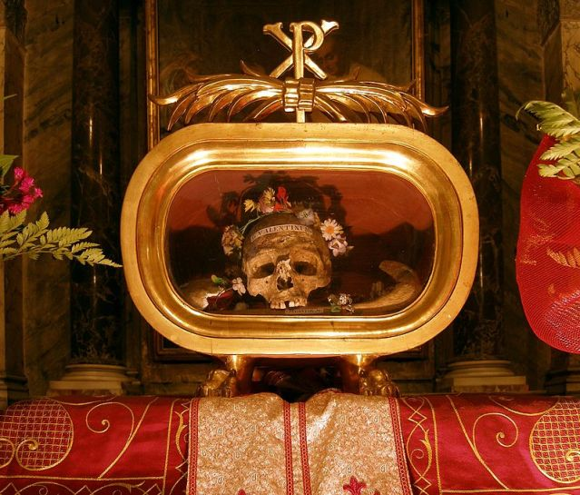 Rom,_Santa_Maria_in_Cosmedin,_Reliquien_des_Hl._Valentin_von_Terni
